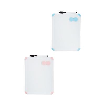 Quadro-Magnetico-Branco-Le-com-2-Imas-e-Marcador-Moldura-Cores-Diversars-21x27cm