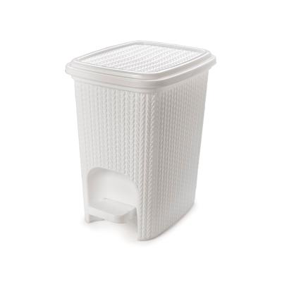 Lixeira-Plasutil-Plastico-com-Pedal-Trama-Branco-7l